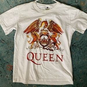 Queen band graphic tee